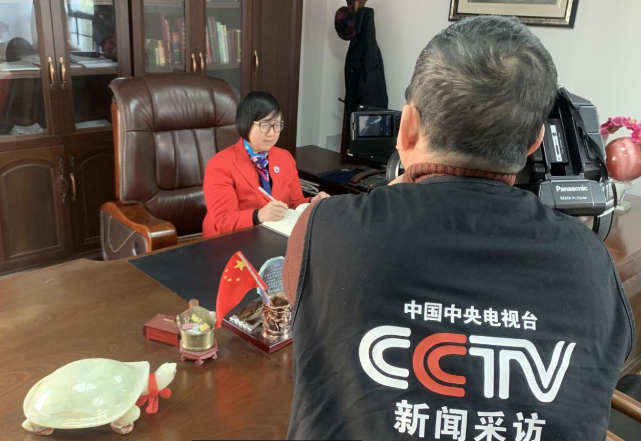 中央电视台记者走进宁波市富通技工学校采访